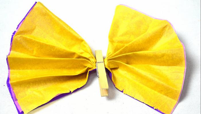 Mariposas de papel con pinza