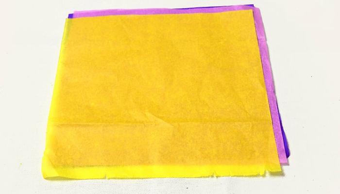 Mariposas de papel en forma de acordeón