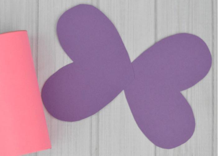 Mariposas con rollos de papel